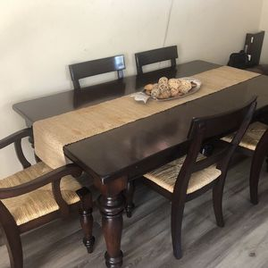 Pottery Barn Dinning Table for Sale in Riverside, CA