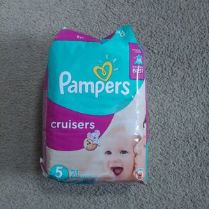 Pampers jumbo cruisers - size 5 for Sale in Seattle, WA