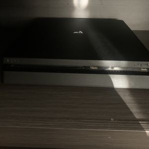 playstation 4 with controls & games for Sale in Chula Vista, CA