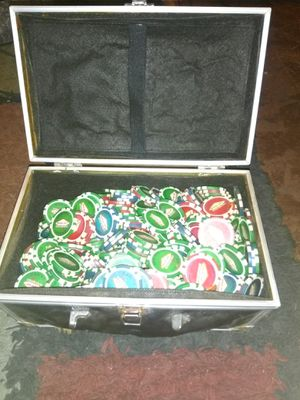 OVER 300 POKER CHIPS BLUE RED GREEN ASKING ONLY $20 MUST PICK UP for Sale in Phoenix, AZ