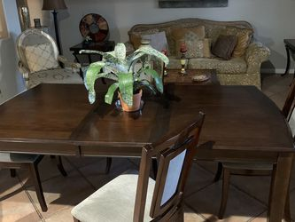4 Chair Dining Table for Sale in North Las Vegas,  NV