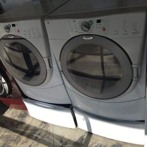 WHIRLPOOL WASHER AND GAS DRYER WITH PEDESTALS for Sale in San Bernardino, CA