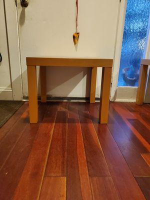 Small table for Sale in Germantown, MD