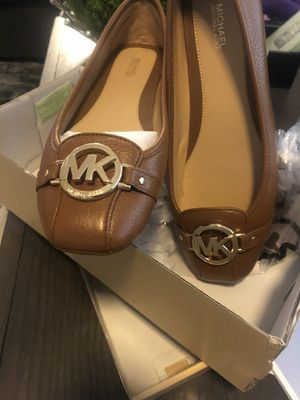 Brand women's MK leather flats size 9. Retails for $120. for Sale in Fowler, CA