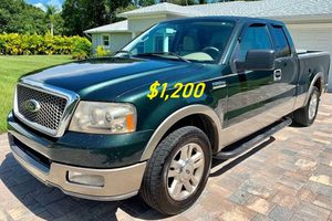 🎁$1,2OO URGENT i selling 2004 Ford F-150 Lariat 4dr truck Runs and drives great beautiful🎁 for Sale in Detroit, MI