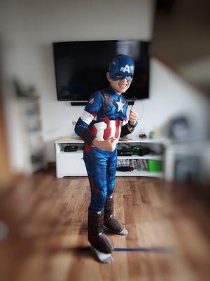 Captain America Costume, size L for Sale in Chicopee, MA