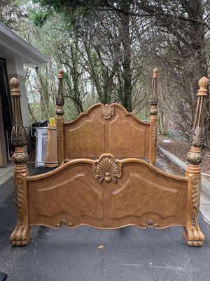 ANTIQUE KING SIZE BEDROOM SET for Sale in Snellville, GA