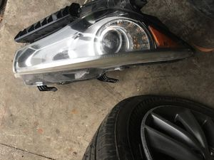 Q50 headlight for sale $700 for Sale in Miramar, FL