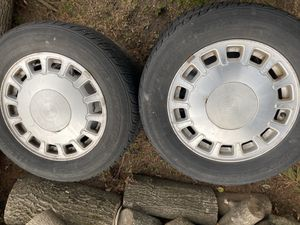 1999 Cadillac DeVille rims and tires for Sale in Bellerose, NY