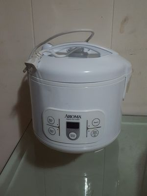 electric pots AROMA DIGITAL RICE COOKER for Sale in Fort Myers, FL