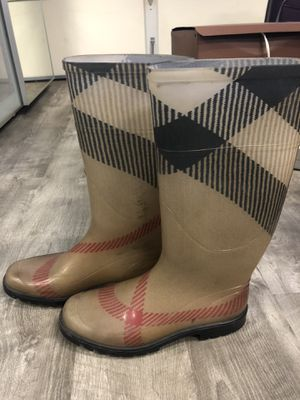 Authentic Burberry boots size 38 for Sale in Los Angeles, CA
