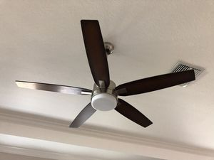 Hunter ceiling fans with lights and remotes for Sale in Ruskin, FL