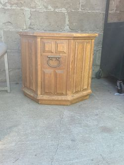 Wood Side Table W/Storage for Sale in Ontario,  CA