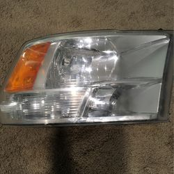 2009 Ram 1500 Headlights W/ Out LED for Sale in Denver,  NC