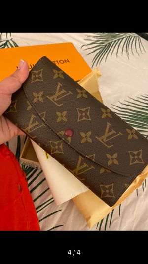 Cute Wallet New With Box for Sale in Pembroke Pines, FL