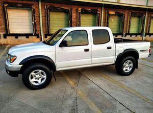 ֆ14OO 4WD Toyota Tacoma Clean for Sale in Laton, CA
