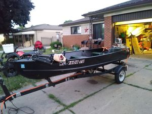 12ft starcraft fishing boat/trailer for Sale in Warren, MI