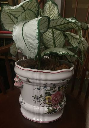 Silk plant in Pot made in France for Sale in Tacoma, WA