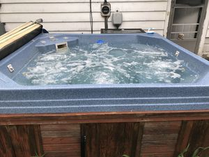 Hot tub for Sale in Evansville, IN