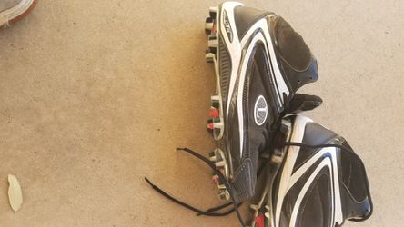 Louisville Slugger Baseball Cleats for Sale in San Angelo,  TX