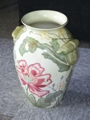 Flower vase for Sale in San Antonio, TX