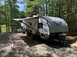 2018 Forest River Salem RV with bunkhouse - perfect for large family for Sale in Apex, NC