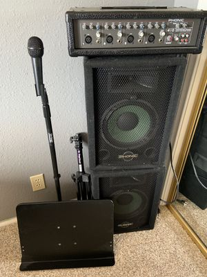 PA system with two speakers and microphone microphone stand and music note stand for Sale in Hesperia, CA