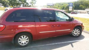 2006 Town And Country Chrysler Mini Van for Sale in Waterbury, CT