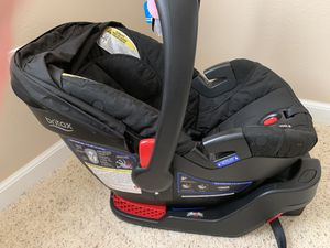 Britax infant car seat B-Safe 35 for Sale in Aberdeen, WA