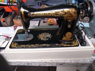 Singer Vintage sewing machine for Sale in Atlanta,  GA