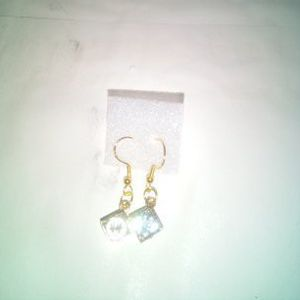 Diamond Shaped Quartz Earrings for Sale in Diamond Bar, CA