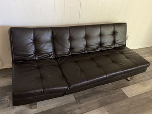 Sofa de piel de 3 posiciones en muy buen estado, estética de 8, $100 for Sale in Tulsa, OK