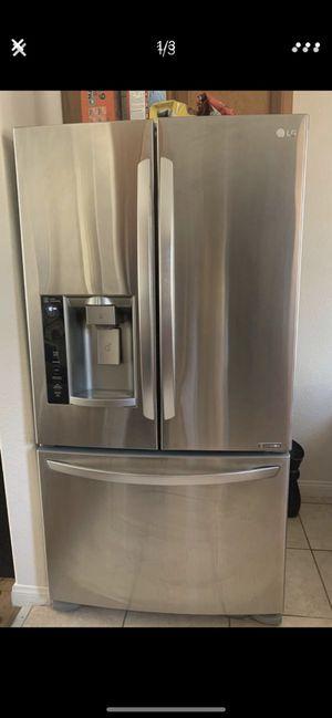 LG fridge for Sale in Gardena, CA
