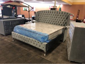 King bed frame for Sale in Phoenix, AZ