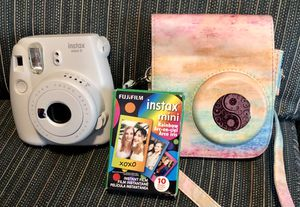 Fuji instamax mini 9 camera bundle for Sale in Pamplin, VA