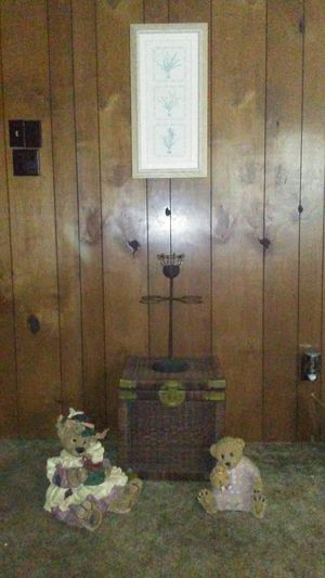 Home decor wicker and brass 16x16 for Sale in Pineville, LA