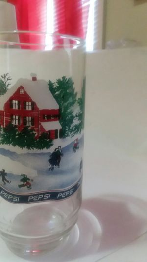 COLLECTIBLE PEPSI FROSTED CHRISTMAS SCENE PANEL GLASS for Sale in Wilmington, DE