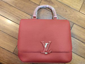 M50257 Taurillon Volta Cowhide leather Messenger bag red handbag for Sale in Los Angeles, CA