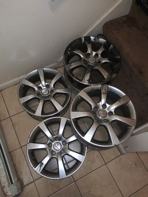 18 inch Infinity Rims (CHEAP) for Sale in Cranston, RI