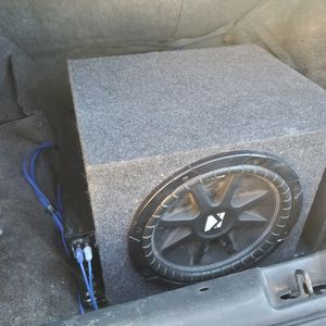 kicker woofer/amp combo for Sale in Phoenix, AZ