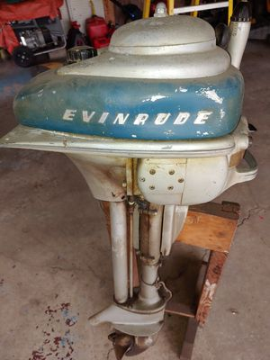 $65. Vintage Outboard Motor. Evinrude, With Stand for Sale in Downers Grove, IL