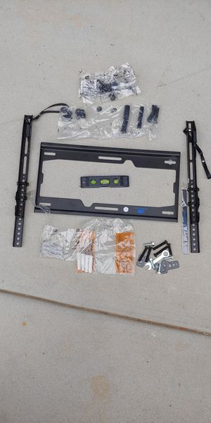 TV mounting kit for Sale in Poway, CA