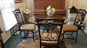 Beautiful, glass kitchen table set for Sale in O'Fallon, MO