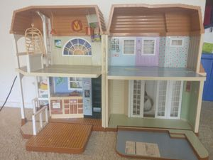 Doll house for Sale in Lombard, IL