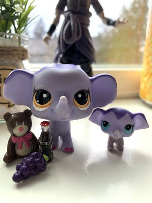 Littlest pet shop mom elephant and daughter (LPS) for Sale in Everett, WA