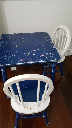 Kids Art table and 2 chairs for Sale in West Palm Beach, FL