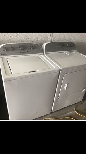 Whirlpool Washer Dryer Set GAS for Sale in Houston, TX
