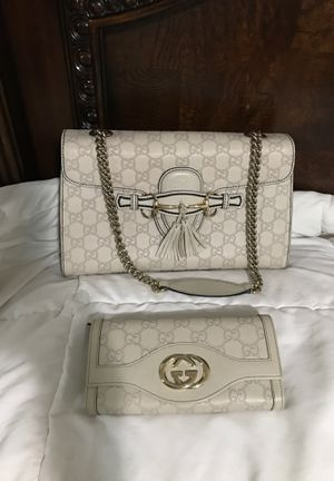 Gucci purse and wallet for Sale in Everett, WA