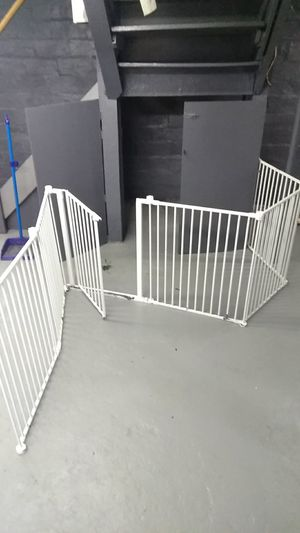 Dog crate and gates for Sale in Cleveland, OH