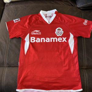 Toluca jersey in good condition with sinha name and number size is small for Sale in Perris, CA